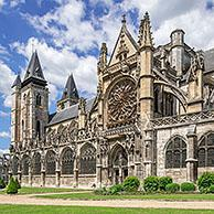 Collegiale Notre-Dame des Andelys / Our Lady's Church with Flamboyant Gothic rose window at Les Andelys, Eure department, Normandy, France