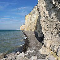 Pebble beach and the highest chalk cliffs in Europe at Criel-sur-Mer, Normandy, France <BR><BR>More images at www.arterra.be</P>